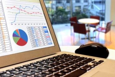 【え?まだ会計ソフト使ってるの?】クラウドで業務を10倍効率化!