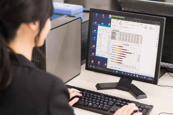 経理業務はエクセルだけで完結できる?メリット・デメリットも解説します!